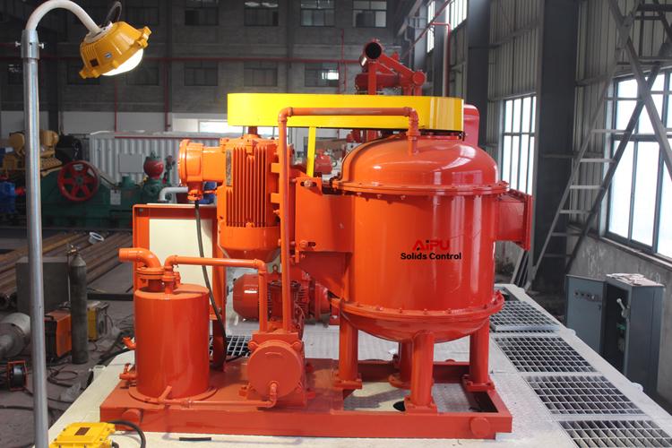 Vacuum degasser operation on tank