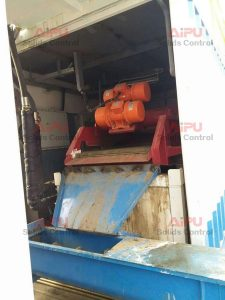 shale shaker for sludge treatment
